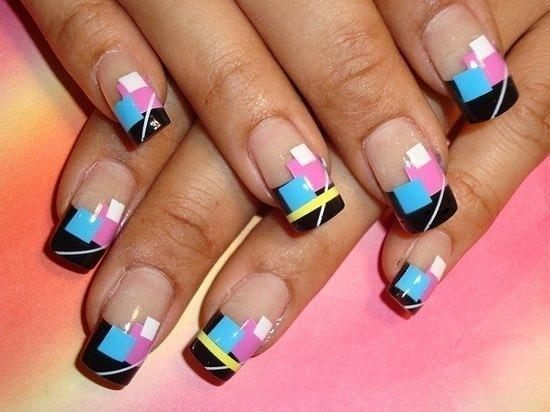 Геометрические-рисунки-на-ногтях
