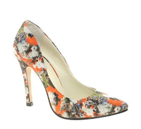 Туфли с цветами – горячая тенденция осени 2012 года