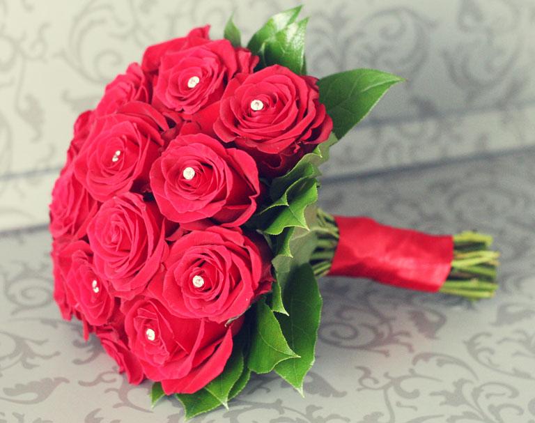 Букеты для невесты из красных роз своими руками
