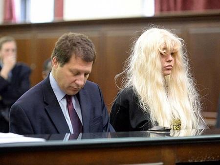 Аманда Байнс на суде