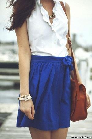 С чем носить синюю юбку