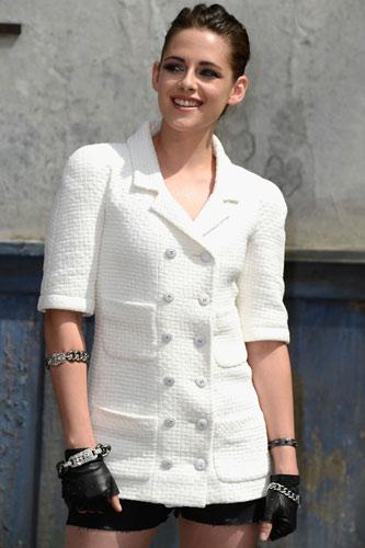 Кристен Стюарт на показе Chanel в Париже