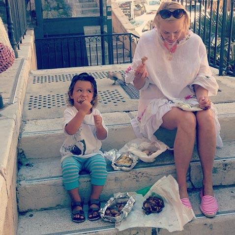 Сын и мама Алены Водонаевой