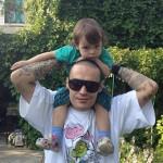 У Айзы Долматовой из-за развода забрали 3-летнего сына