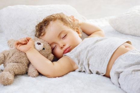 Как выбрать постельное белье для младенца