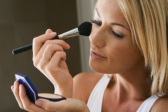 Основные ошибки женщин при нанесении макияжа