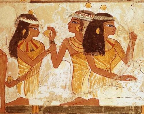 Какой косметикой пользовались в древнем мире