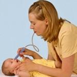 Удаление слизи из носа новорожденных: аспираторы и их разновидности