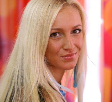 Чем Ольга Бузова испортила волосы?