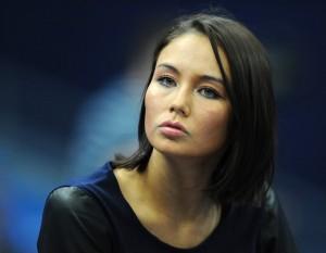 Ляйсан Утяшева не комментирует слухи о своей беременности