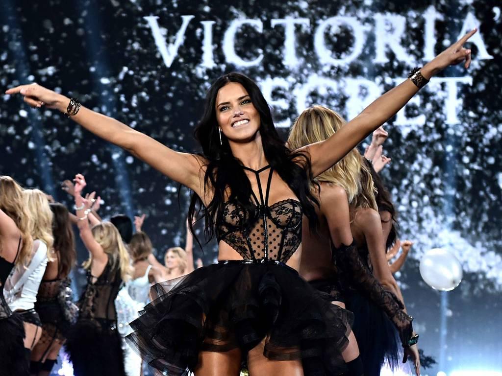 Стали известны подробности следующего показа Victoria's Secret