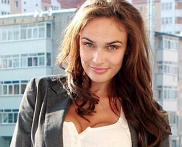 Водонаева вышла на улицу с ружьем