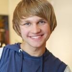 Олег из сериала «Легко ли быть молодым?»