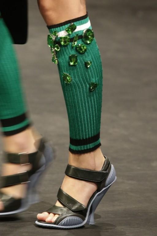 Модно: носить гетры и ажурные носки!