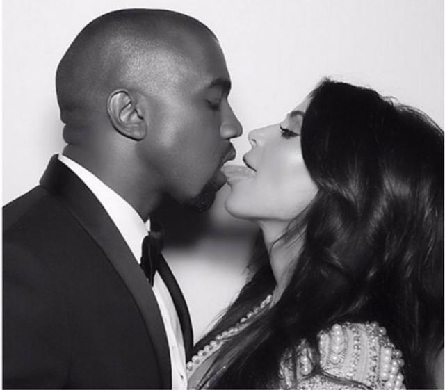 Ким Кардашян поделилась эротическими снимками с Канье Уэстом