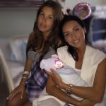 Алсу поделилась фото с новорожденной дочкой Кети Топурии