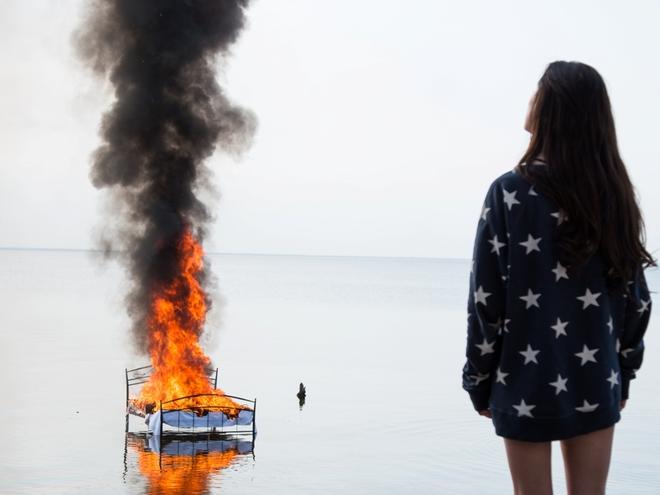 Даша Суворова устроила пожар на съемочной площадке