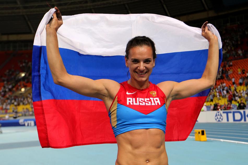 Елена Исинбаева приступила к тренировкам после рождения дочери