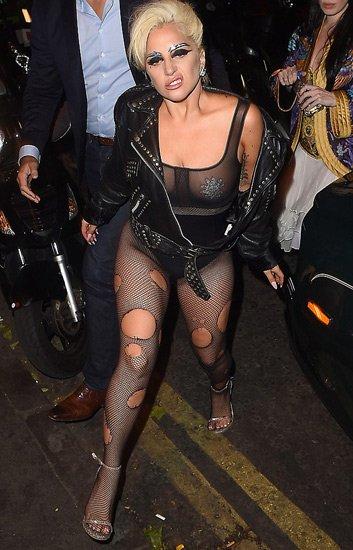Леди Гага не перестает шокировать Туманный Альбион