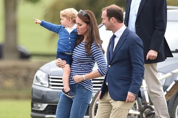 Герцогиня Кембриджская Кейт Миддлтон сводила сына на турнир по поло