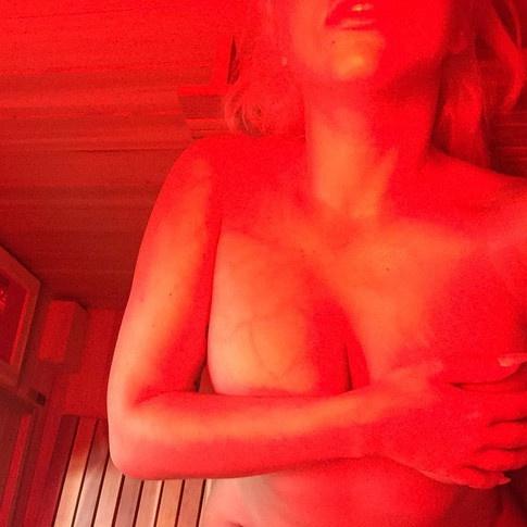 Голая Леди Гага шокировала поклонников