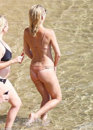 Кейт Хадсон с 69-летней мамой похвастались фигурами в купальниках