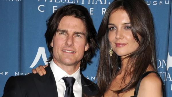 Том Круз встречается с девушкой, похожей на его экс-жену Кэти Холмс