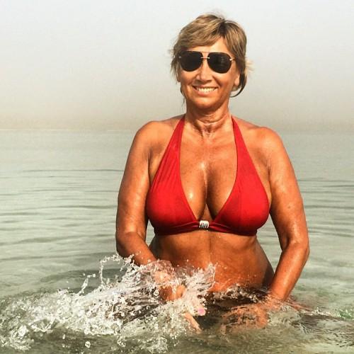 Лариса Копенкина показала фигуру в купальнике