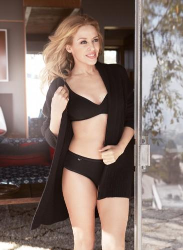 47-летняя Кайли Миноуг снялась в рекламе нижнего белья