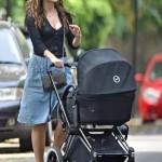 Кира Найтли впервые после родов была замечена с новорожденным малышом