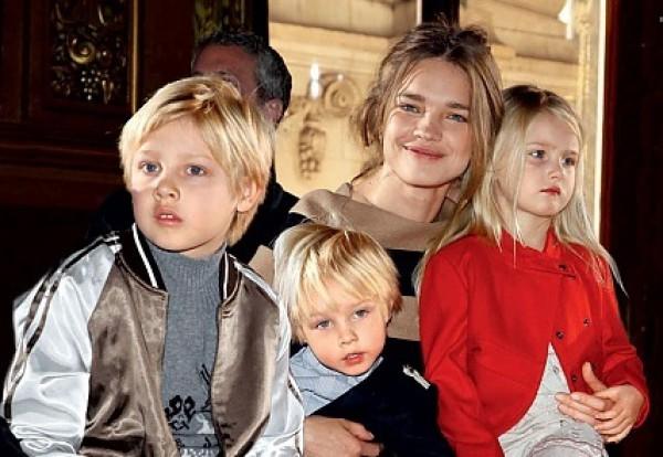 Наталья Водянова собирается родить пятого ребенка
