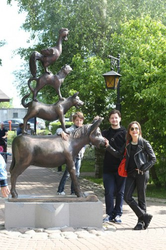 Татьяна Буланова снялась в фотосессии со своими детьми