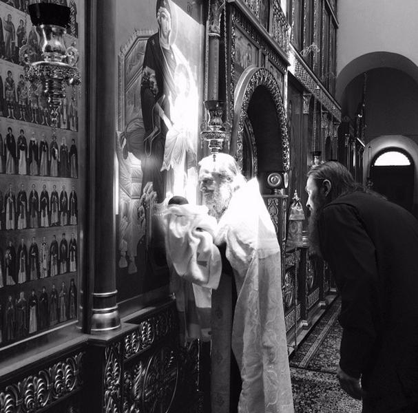 Виктория Макарская крестила новорожденного сына