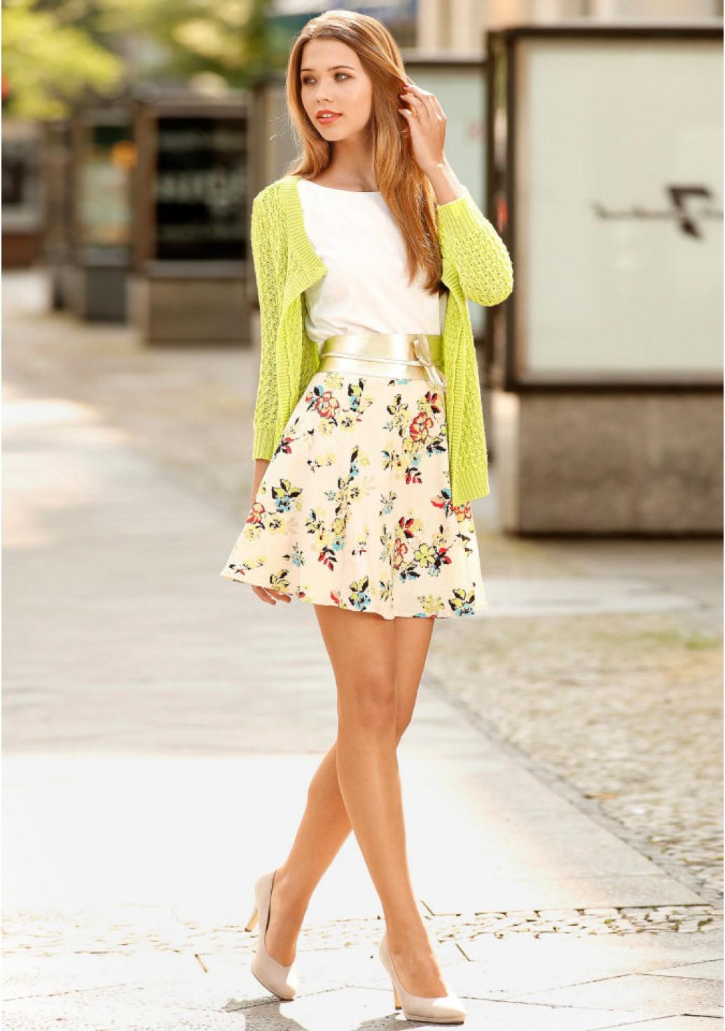 a2266430401 С чем носить юбку с цветами  33 фото