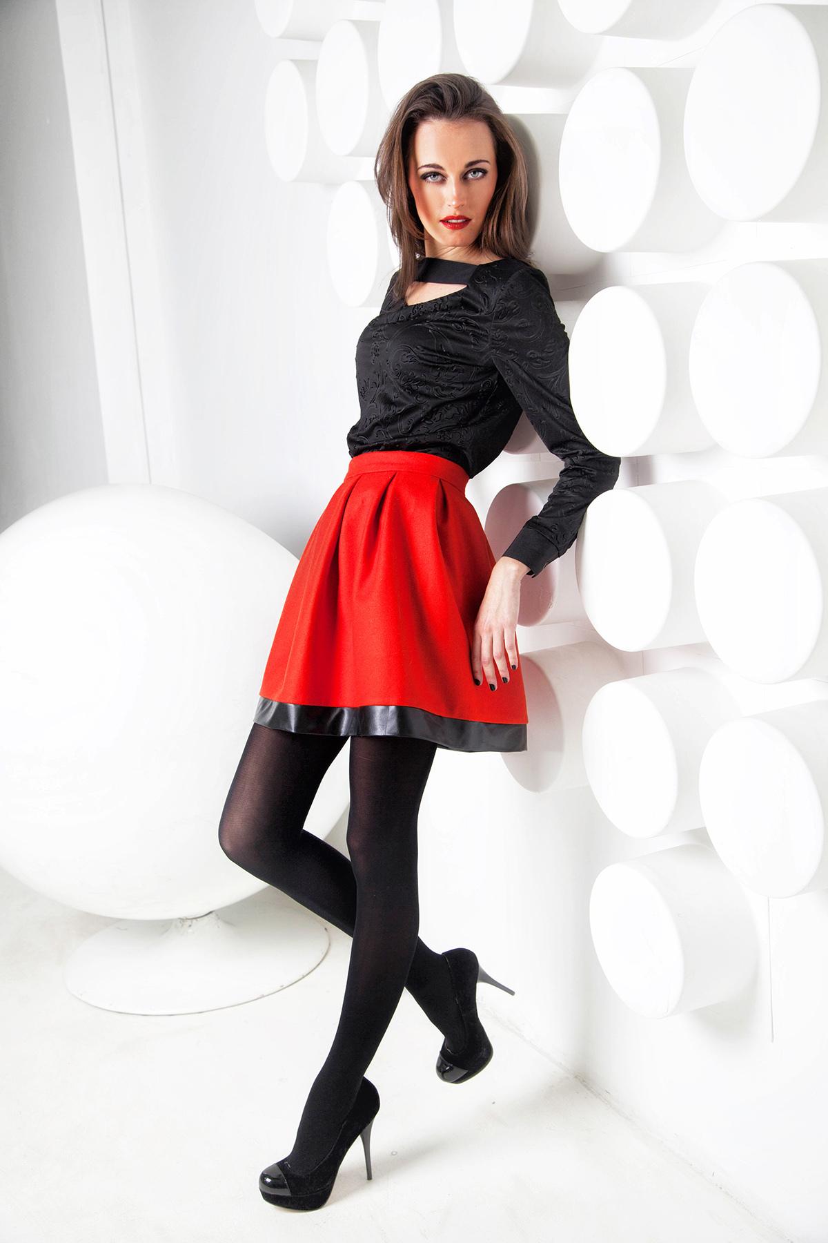 дамы девушка красные юбки черни чулка фото девушка, несмотря