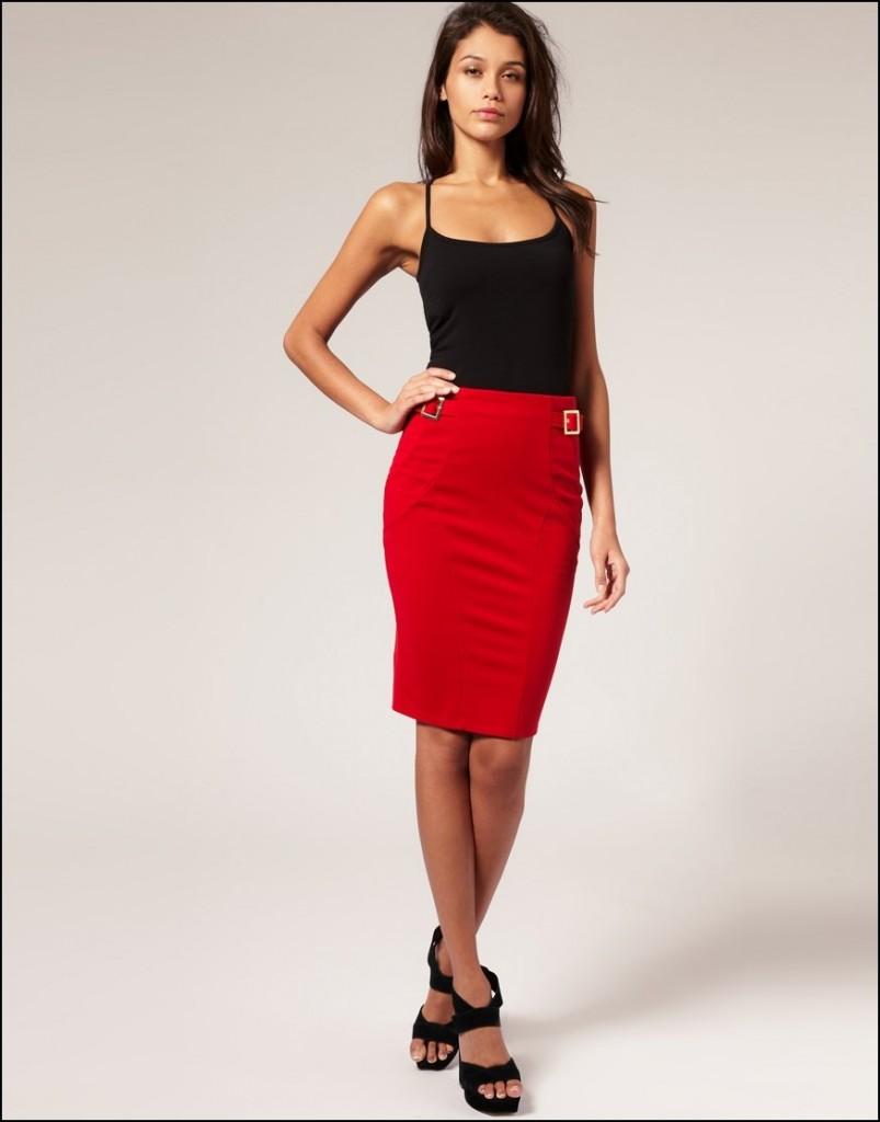 Красная юбка и черная майка