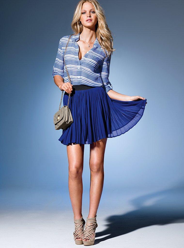 в коротеньких синих юбочках фото магазинах могут быть