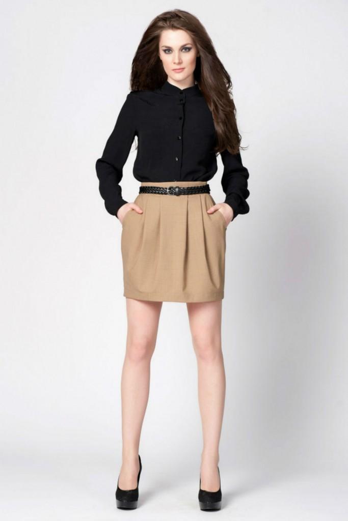 Бежевая юбка с черным верхом