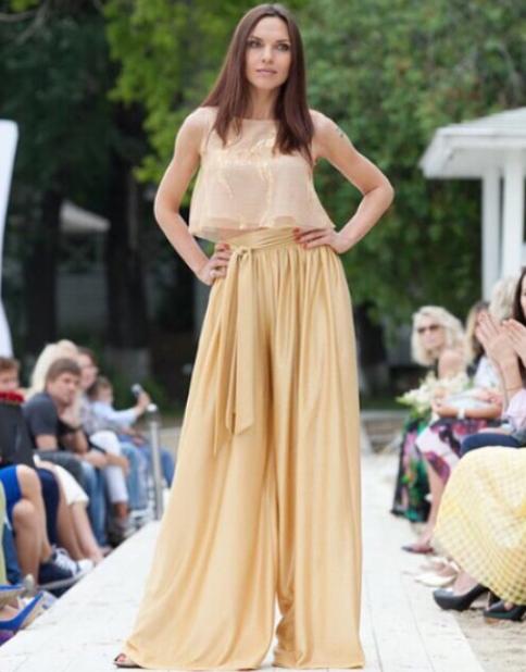 Инна Жиркова провела первый показ своей фирменной коллекции одежды2