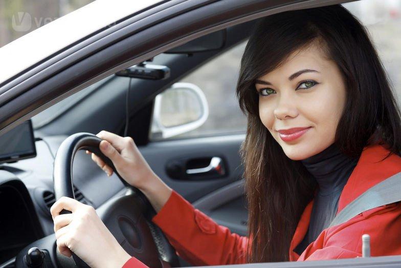 Как девушке научиться управлять автомобилем