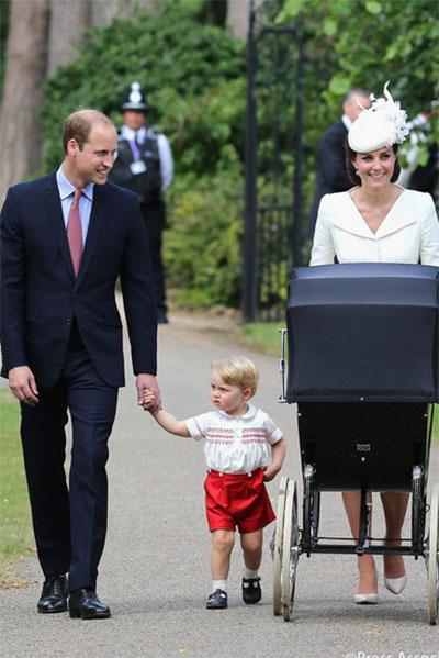 Как прошли крестины принцессы Шарлотты – дочери Кейт Миддлтон (фото)
