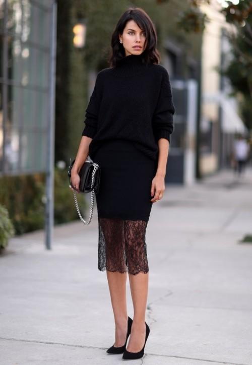 Короткая юбка и чулки