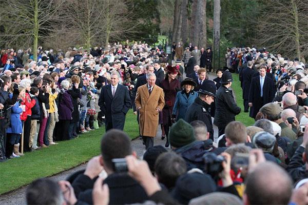 Сегодня состоялись крестины принцессы Шарлотты – дочери Кейт Миддлтон и принца Уильяма2