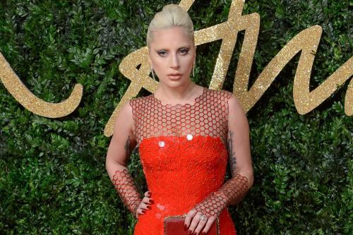 Леди Гага боится, что карьера сведет ее в могилу