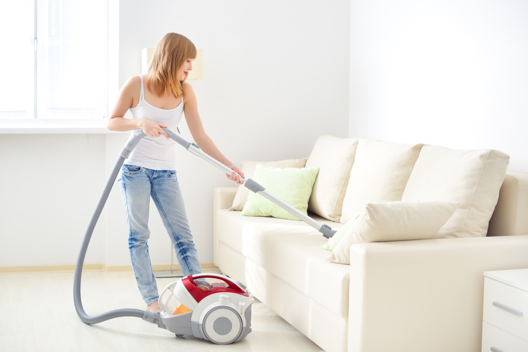 Как почистить гобеленовый диван в домашних условиях
