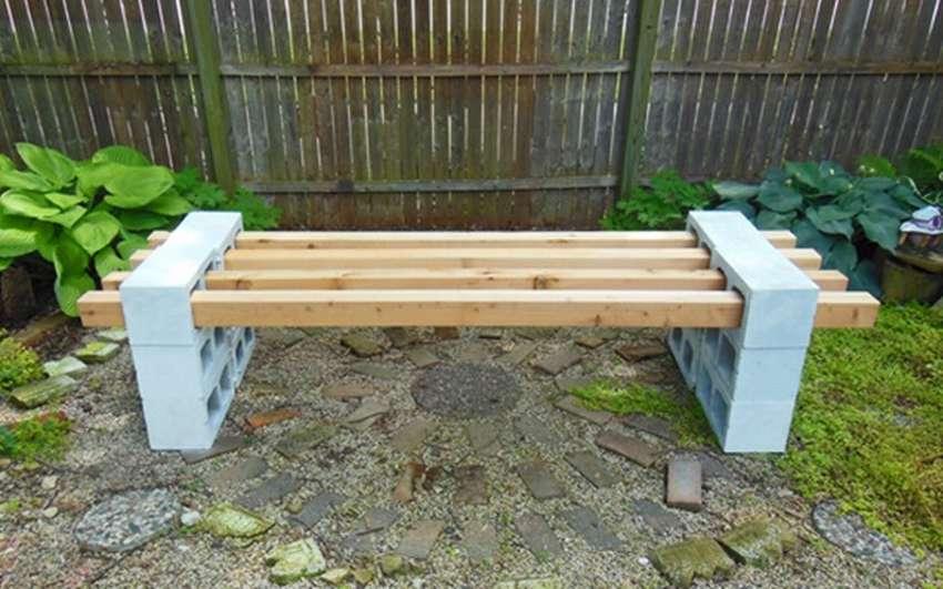 Своими руками можно сделать скамейку и стол из кирпича