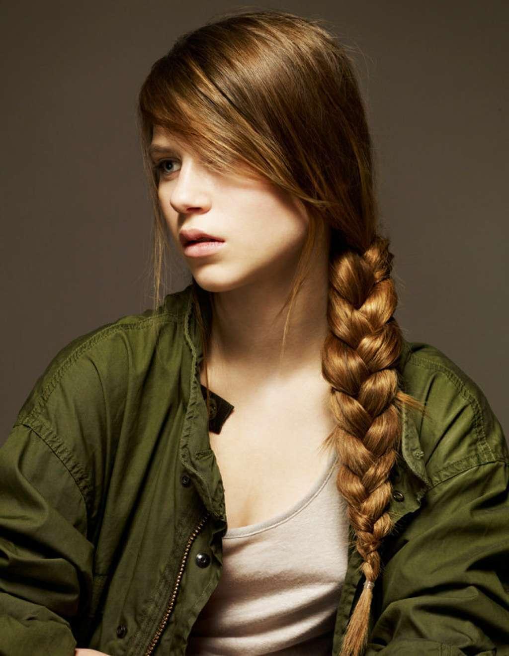 Коса у девушки современные фото