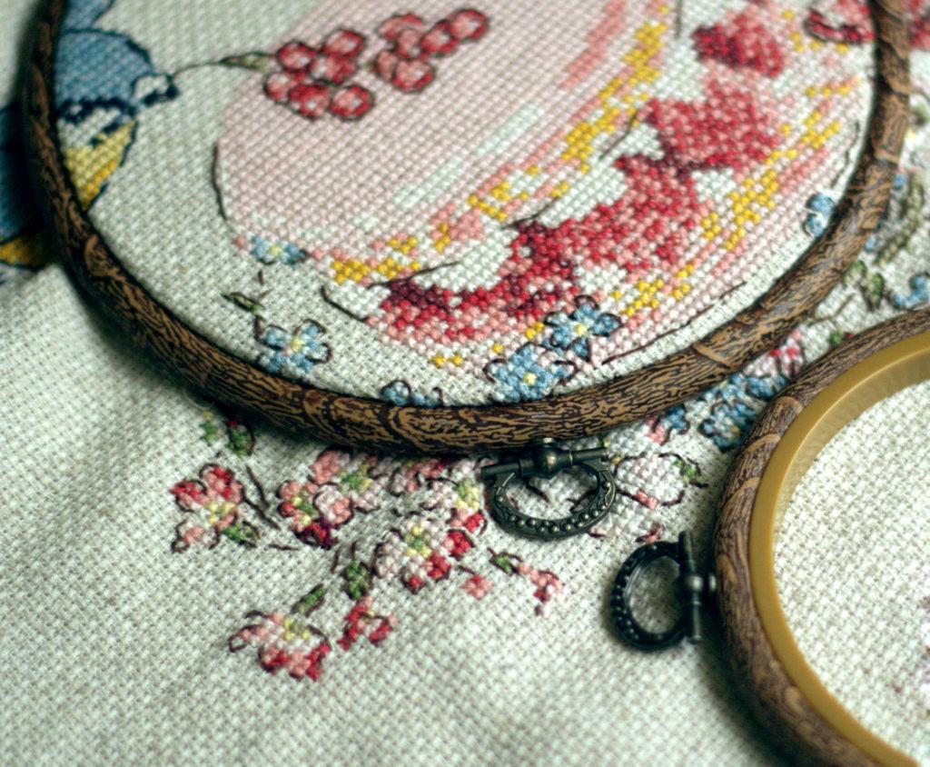 Разновидности и применение пялец для домашнего вышивания
