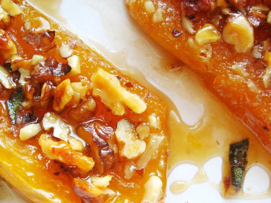 Тыква в духовке с медом и орехами