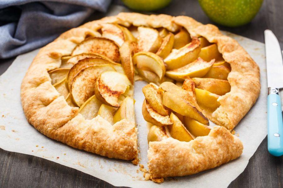 Слоёный пирог с яблоками